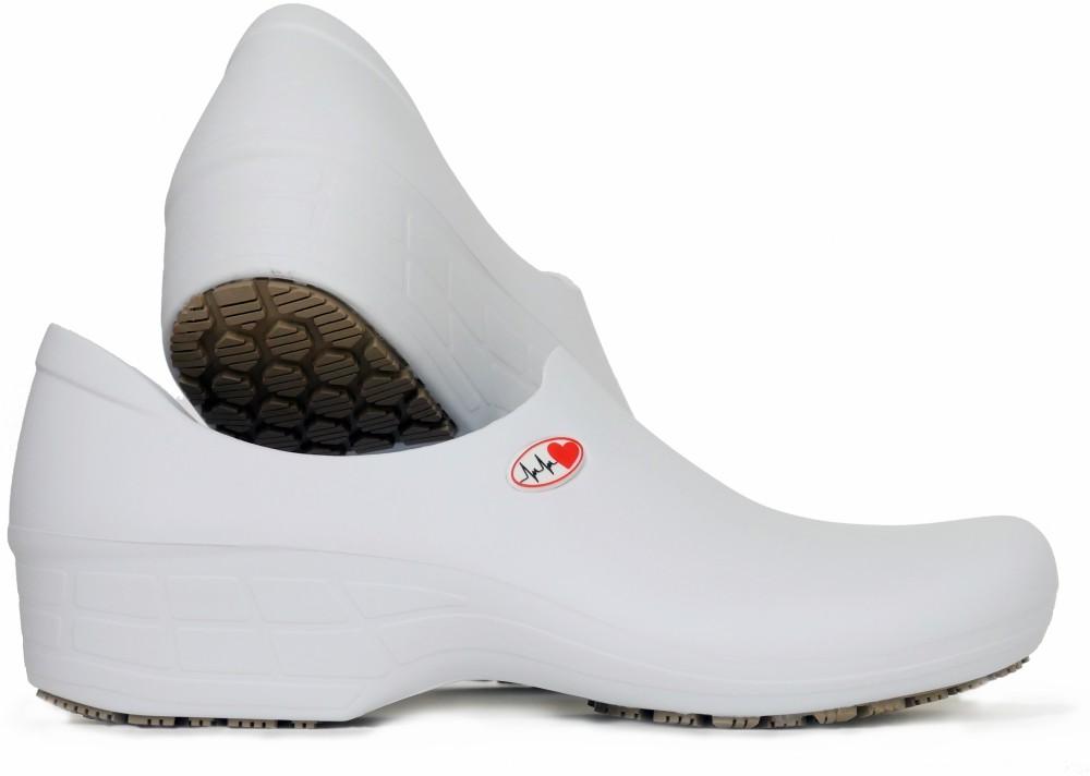 Slip-resistant Waterproof Nursing Shoes